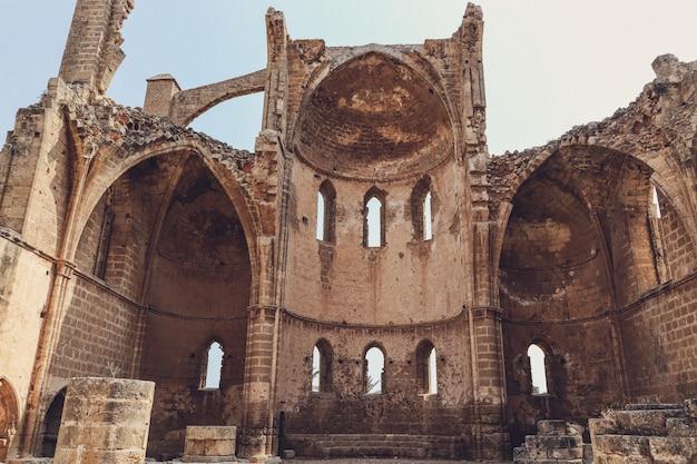 Ruïnes van de kerk van st george van de grieken kerk, famagusta, noord-cyprus