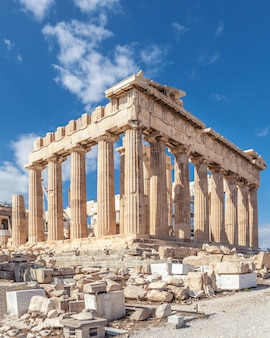 Ruïnes van de tempel parthenon op de akropolis. athene, griekenland.