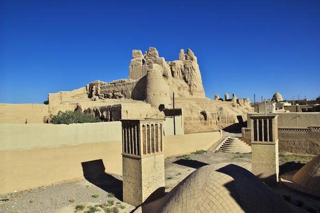 Ruïnes van de verlaten stad nain in iran