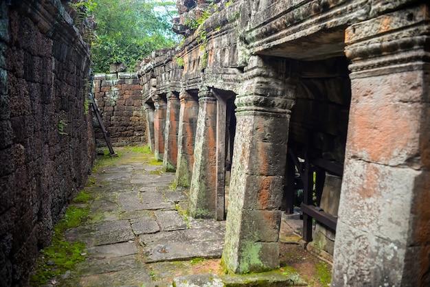 Ruïnes van kolommen