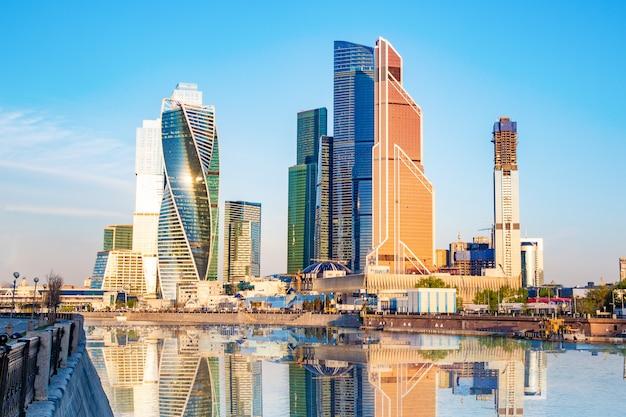 Rusland, moskou, 23/05/18. moscow city - weergave van wolkenkrabbers