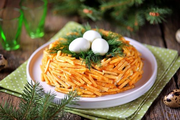 Russische traditionele feestelijke salade