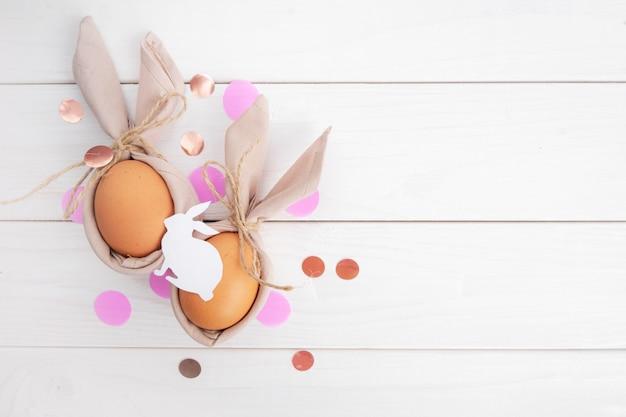 Rustieke stijl pasen met confetti