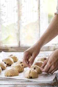 Ruwe ongebakken broodjes