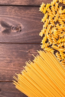 Ruwe pasta als achtergrond