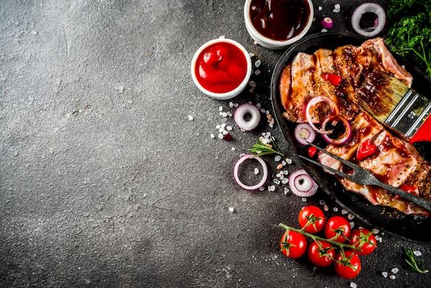 Ruwe rundvleesribben klaar voor het koken