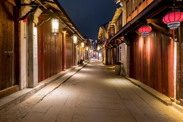 's nachts, de straten van de oude stad zhouzhuang, suzhou, china