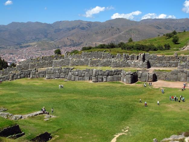 Sacsayhuaman, ruïnes van het fort in cusco, inca empire, peru