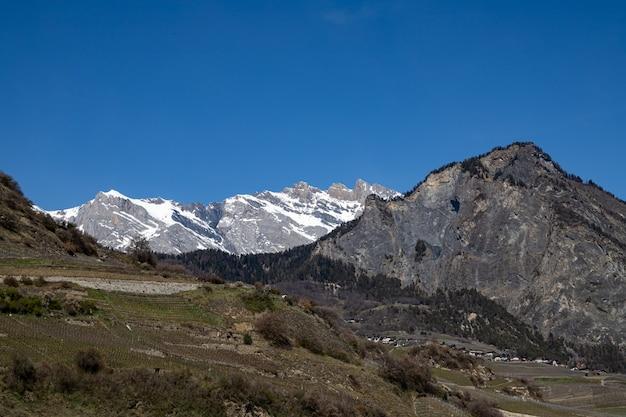 Saillon zwitserland iserables en dent de nendaz farinet wandeling