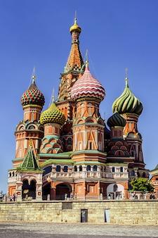 Saint basil's cathedral op het rode plein in moskou, rusland