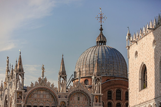 Saint mark cathedral-architectuurdetail in venetië in italië