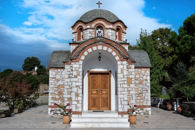 Saint nicolas orthodox chapel in olympiada, griekenland