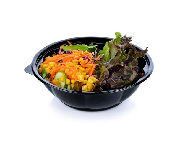 Salade geïsoleerd op wit