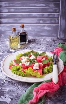 Salade met watermeloen en feta-kaas
