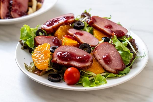 Salade van gegrilde eendenborst