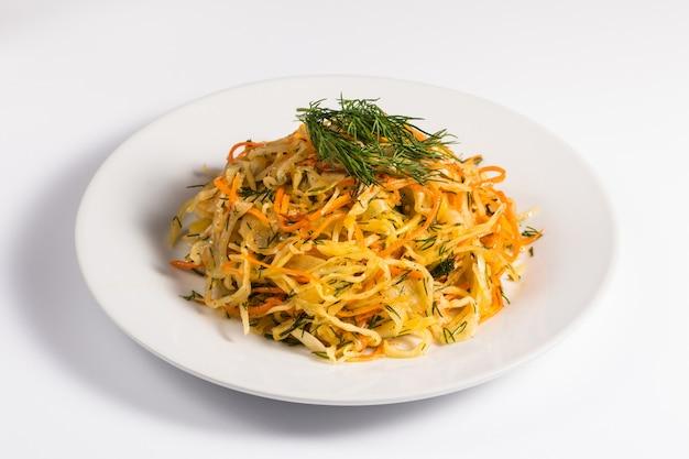 Salade van kool en wortel
