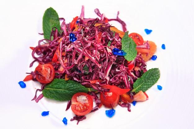 Salade van rode kool (coleslaw)