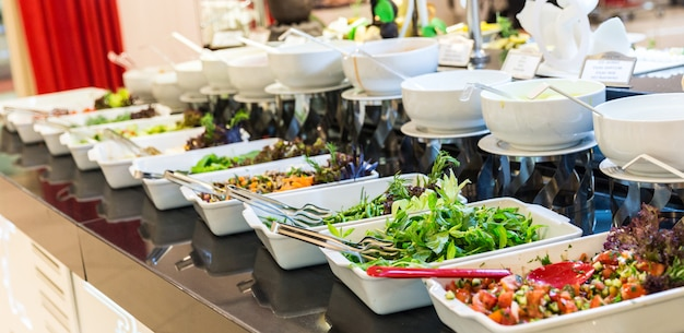 Salades in een buffet
