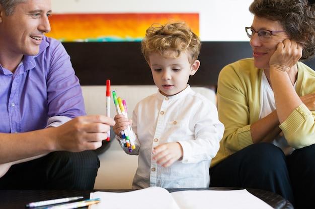 Samen inkleuren parenting portret oma