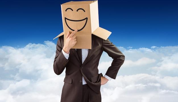 Samengesteld beeld van anonieme zakenman die zijn kin aanraakt