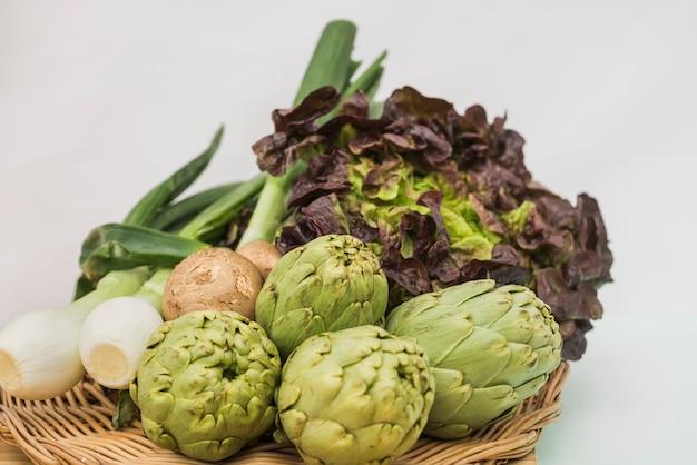 Samengestelde verse groenten in assortiment