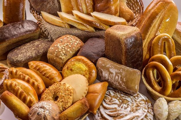 Samenstelling met brood en broodjes