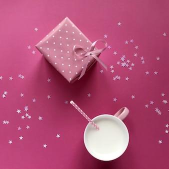 Samenstelling met een geschenkdoos en melk