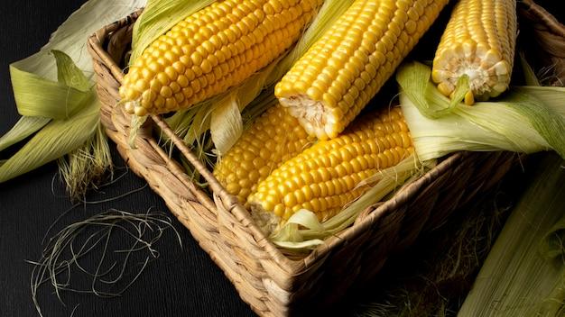 Samenstelling met hoge hoek verse maïs