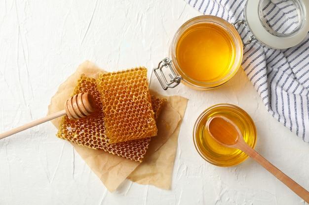 Samenstelling met honingraten en honing