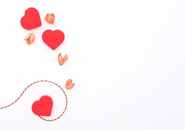Samenstelling met rode harten, lay-out voor briefkaart, vakantiefoto