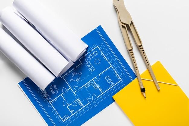 Samenstelling van bovenaanzicht van verschillende architectonische elementen