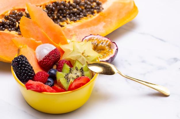Samenstelling van heerlijk exotisch fruit