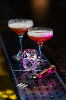 Samenstelling van heerlijke rode cocktails