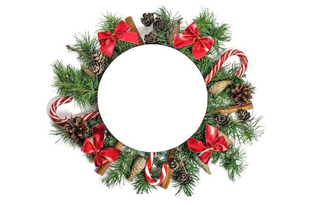 Samenstelling van kerstmis en nieuwjaar in de vorm van een cirkel