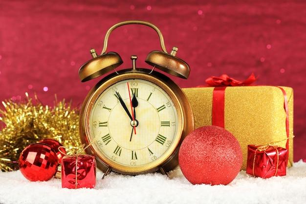 Samenstelling van klok en kerstversiering