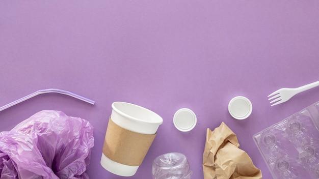 Samenstelling van niet-milieuvriendelijke plastic elementen