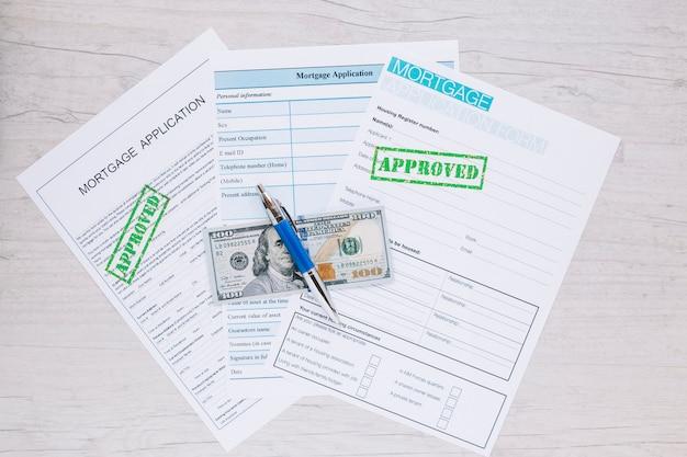 Samenstelling van papier vormstukken voor kredietaanvraag