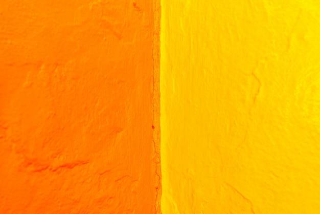 Samenvatting van variabele geometrie en intense gele en blauwe kleuren.
