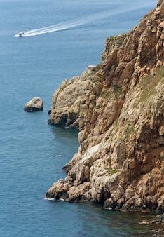 Sammer kust uitzicht vanaf bivakmuts