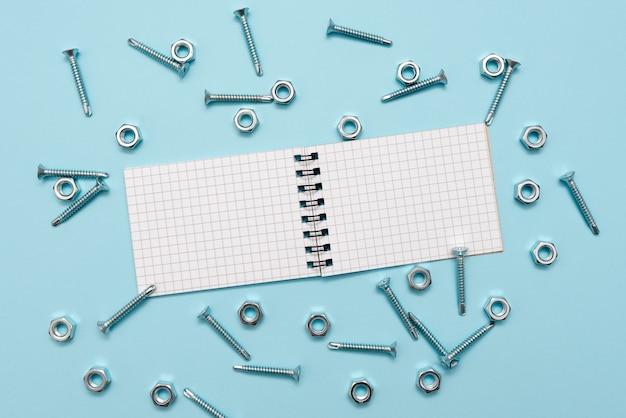 Sample cube rechthoekige dozen gepolijst met meerkleuren die de ontwikkeling van stabiliteit en groei symboliseren