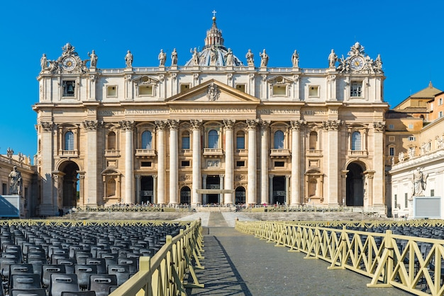 San pietro basilica vatican city, rome italië. rome architectuur en bezienswaardigheid. st. peter's cathedral in rome