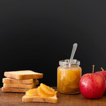 Sandwich met fruit