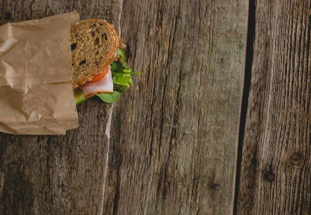 Sandwich op de tafel