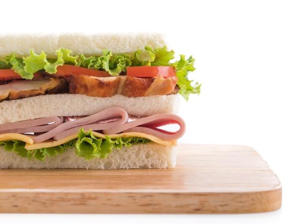 Sandwich op een witte achtergrond