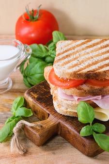 Sandwish met ham en kaas