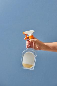 Sanitairwerker spray reinigingsmiddel