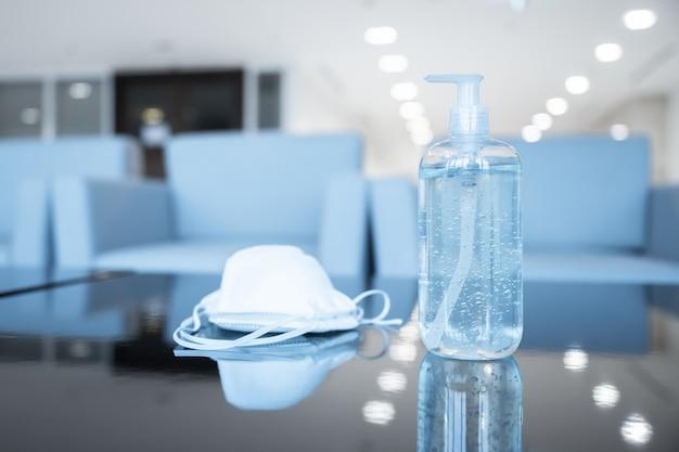 Sanitizer handgel en gezichtsmasker