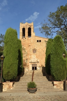 Sant pere kerk van middeleeuws dorp pals, provincie girona, catalonië, spanje