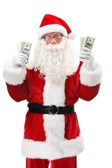 Santa claus aanhouden van geld op witte achtergrond