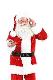 Santa claus met koptelefoon luisteren naar muziek, geïsoleerd